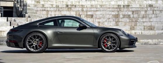 评测:保时捷911 Carrera S以及雪佛兰创界RS耗油如何